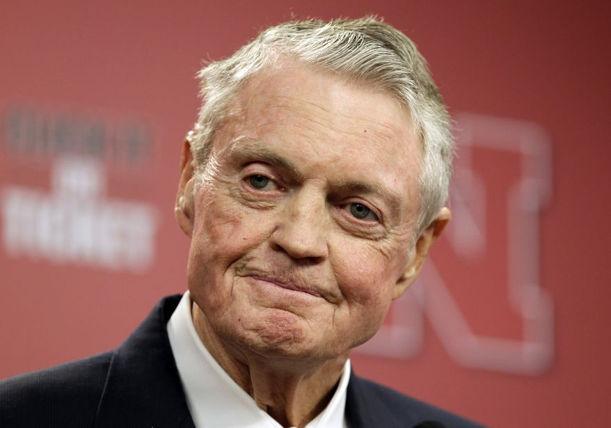 "Nebraska athletic director Tom Osborne announces his retirement as of Jan. 1, during a news conference in Lincoln, Neb., Wednesday, Sept. 26, 2012. The 75-year-old Osborne said ""the perception"" that you're getting old ""can get in the way."" He also said he didn't want to be a distraction. (AP Photo/Nati Harnik)"