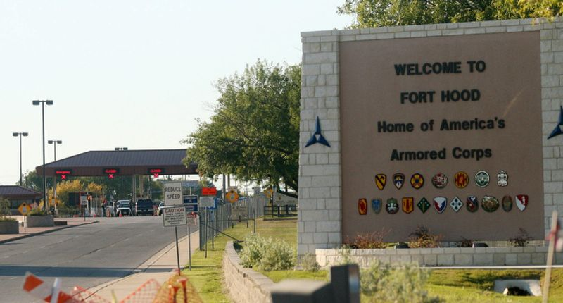 ** FILE ** Fort Hood, near Killeen, Texas. (AP Photo/Jack Plunkett)
