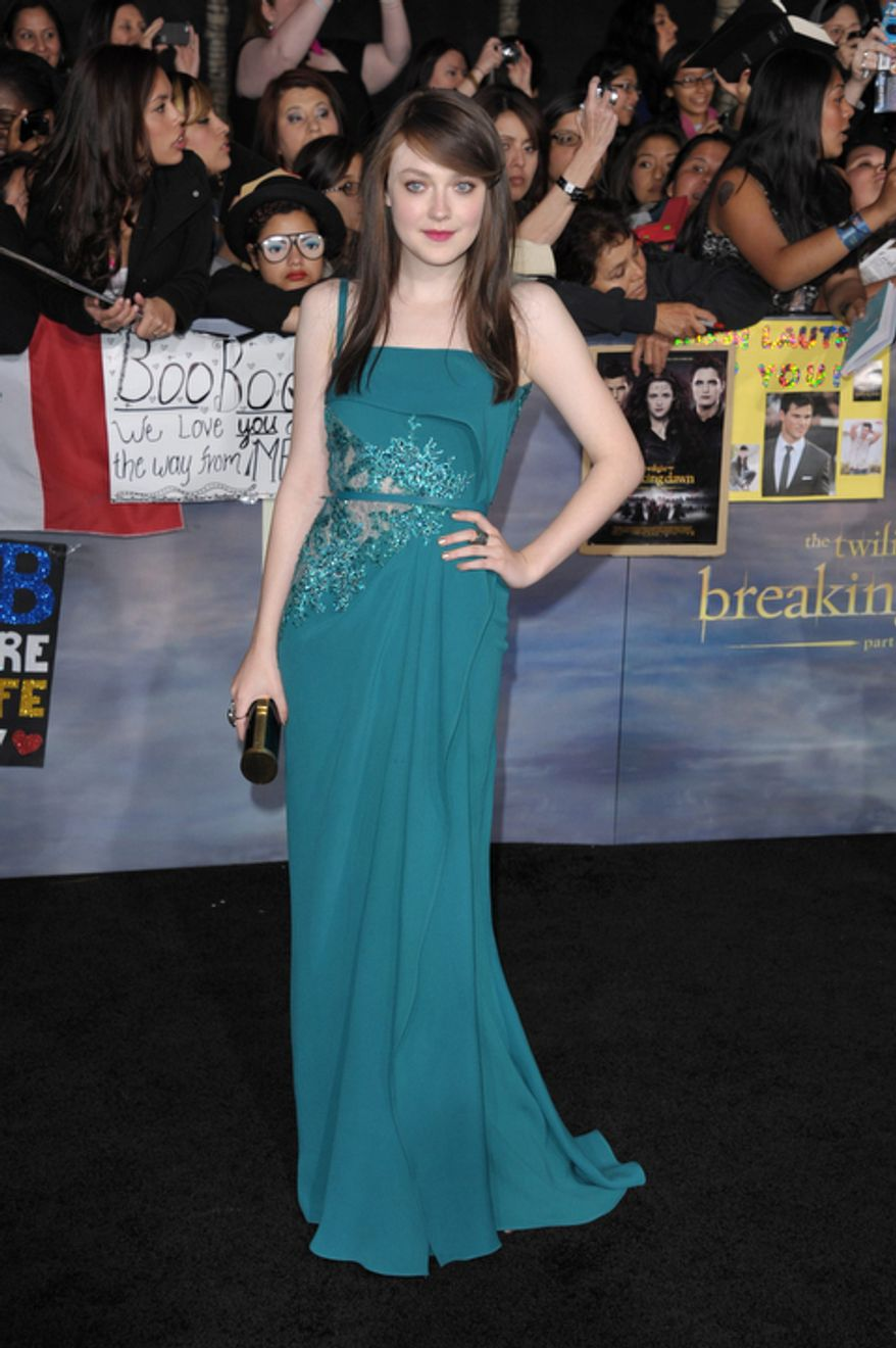 "Dakota Fanning attends the world premiere of ""The Twilight Saga: Breaking Dawn Part 2"" at the Nokia Theatre on Monday, Nov. 12, 2012, in Los Angeles. (Photo by John Shearer/Invision/AP)"