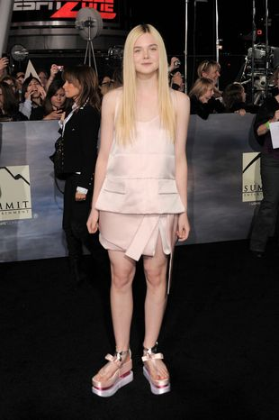 """Elle Fanning attends the world premiere of """"The Twilight Saga: Breaking Dawn Part 2"""" at the Nokia Theatre on Monday, Nov. 12, 2012, in Los Angeles. (Photo by Jordan Strauss/Invision/AP)"""
