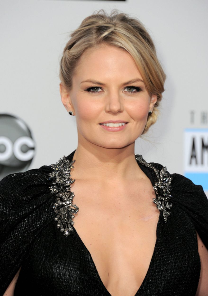 Actress Jennifer Morrison arrives at the 40th Anniversary American Music Awards on Sunday, Nov. 18, 2012, in Los Angeles. (Photo by Jordan Strauss/Invision/AP)