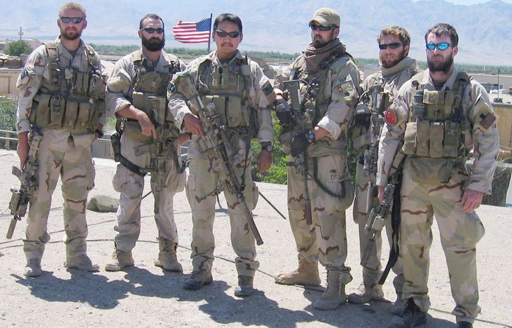 """Marcus Luttrell, author of """"Lone Survivor,"""" (third from right) was the only Navy SEAL to survive a botched 2005 mission in Afghanistan. (U.S. Navy) ** FILE **"""