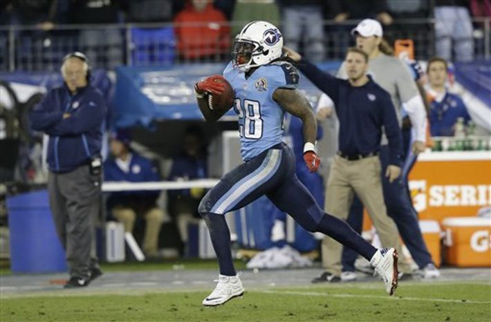 Tennessee Titans running back Chris Johnson (28) runs for a 94-yard touchdown run against the New York Jets in the second quarter of an NFL game on Monday, Dec. 17, 2012, in Nashville, Tenn. (AP Photo/Wade Payne)