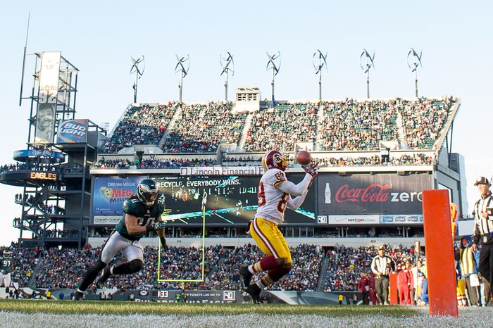 Washington Redskins wide receiver Santana Moss (89) catches a 22 yard touchdown pass late in the third quarter as the Washington Redskins play the Philadelphia Eagles at Lincoln Financial Field, Philadelphia, Pa., Sunday, December 23, 2012. (Andrew Harnik/The Washington Times)