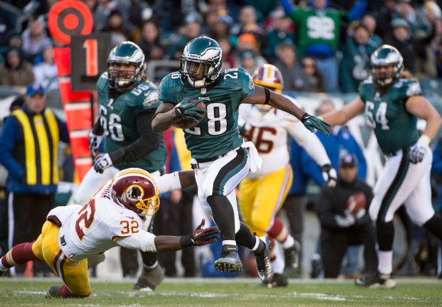 Philadelphia Eagles running back Dion Lewis (28) scores on a 27 yard touchdown run in the fourth quarter as the Washington Redskins play the Philadelphia Eagles at Lincoln Financial Field, Philadelphia, Pa., Sunday, December 23, 2012. (Andrew Harnik/The Washington Times)
