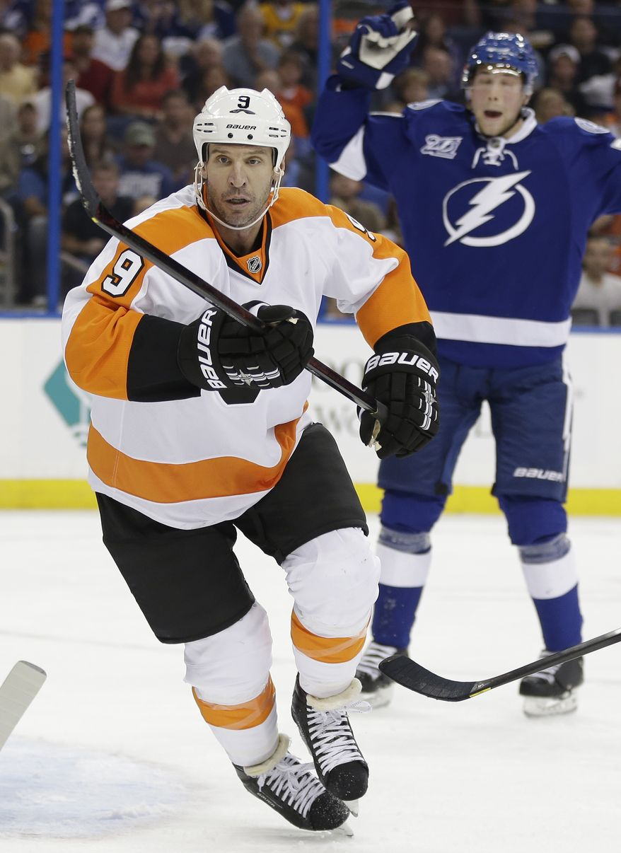 Philadelphia Flyers right wing Mike Knuble (9) during the first period of an NHL hockey game against the Tampa Bay Lightning Sunday, Jan. 27, 2013, in Tampa, Fla. (AP Photo/Chris O'Meara)