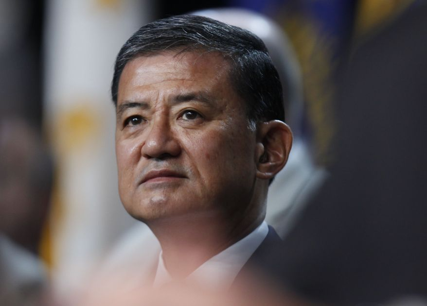 ** FILE ** Veterans Affairs Secretary Eric Shinseki (AP Photo/Charles Dharapak)