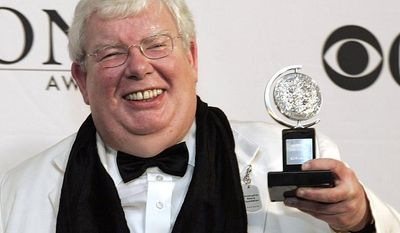 """**FILE** Richard Griffiths of """"The History Boys"""" poses for a picture with his Tony for Best Performance by a Leading Actor in Play at the 60th Annual Tony Awards in New York on June 11, 2006 file photo in New York. (Associated Press)"""