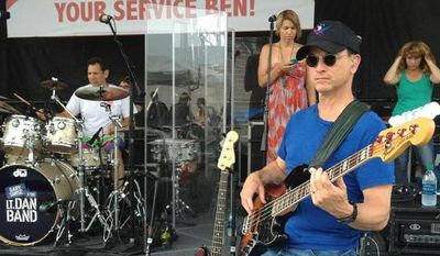 Folks in Jacksonville, Alabama, come out and support Wounded Hero, Sgt. Ben Tomlinson tonight on May 19, 2013 with Gary Sinise and the Lt. Dan Band at Jacksonville State University. (Image: Gary Sinise Foundation Facebook Page)