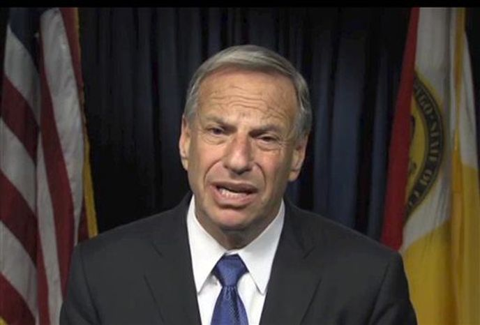 ** FILE ** San Diego Mayor Bob Filner apologizes for his behavior in this frame from a video produced by the city on Thursday, July 11, 2013. (