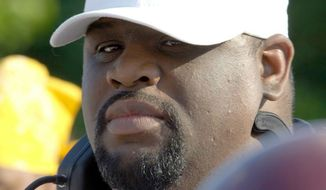 Ezra Cooper coached the D.C. Divas women's football team from 2001-2008. He died Oct. 26, 2013, at age 39. (D.C. Divas)