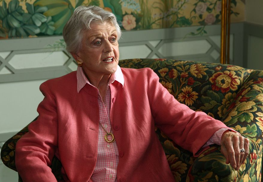 """** FILE ** In this Jan. 7, 2013, file photo, actress Angela Lansbury poses for photos in Sydney, Australia. The 88-year-old actress says """"it's a mistake"""" for NBC to call a new show """"Murder, She Wrote."""" (AP Photo/Rick Rycroft, File)"""