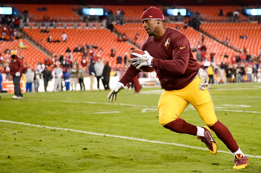 Washington Redskins tight end Fred Davis (83) warms up before the Washington Redskins play the San Francisco 49ers in Monday Night Football at FedExField, Landover, Md., Monday, November 25, 2013. (Andrew Harnik/The Washington Times)