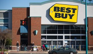 Customers line up outside Best Buy hours in advance of the 6pm opening, in hopes to catch a great Black Friday deal, in Alexandria, VA., Thursday, November 27, 2013.  (Andrew S Geraci/The Washington Times) ** FILE **