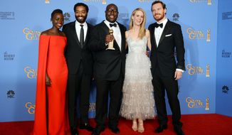 "From left, Lupita Nyong'o, Chiwetel Ejiofor, Steve McQueen, Sarah Paulson and Michael Fassbender pose in the press room with the award for best motion picture - drama for ""12 Years a Slave"" at the 71st annual Golden Globe Awards at the Beverly Hilton Hotel on Sunday, Jan. 12, 2014, in Beverly Hills, Calif. (Photo by Jordan Strauss/Invision/AP)"