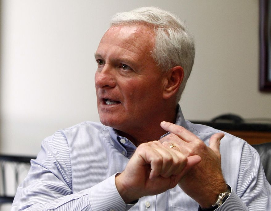 """FILE  - In this April 19, 2013, file photo, Cleveland Browns owner Jimmy Haslam  speaks in Knoxville, Tenn. Amid mounting criticism of Cleveland's coaching search, Haslam says in a letter to fans he's """"committed to finding the right leader for our team."""" (AP Photo/Wade Payne, File)"""