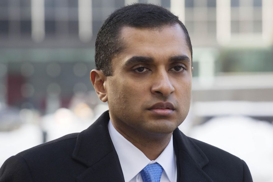 Mathew Martoma, a former SAC Capital portfolio manager, arrives at federal court, Thursday, Feb. 6, 2014 in New York. A jury is  deliberating the insider trading case against Martoma. (AP Photo/Mark Lennihan)