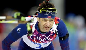 Norway's Ole Einar Bjoerndalen approaches the shooting range during the men's biathlon 12.5k pursuit, at the 2014 Winter Olympics, Monday, Feb. 10, 2014, in Krasnaya Polyana, Russia. (AP Photo/Lee Jin-man)