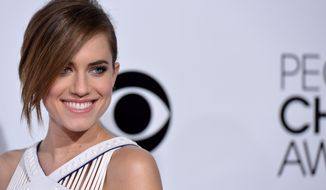 "FILE - In this Jan. 8, 2014 file photo, actress Allison Williams arrives at the 40th annual People's Choice Awards at Nokia Theatre L.A. Live, in Los Angeles.  Williams who stars in the TV show, ""Girls"" is engaged, her rep confirmed Wednesday, Feb. 26, 2014. (Photo by John Shearer/Invision/AP, file)"
