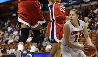 Louisville's Shoni Schimmel, right, looks to pass as Houston's Tyler Gilbert, top left, and Te'onna Campbell defend during the first half of an NCAA college basketball game in the quarterfinals of the American Athletic Conference women's tournament, Saturday, March 8, 2014, in Uncasville, Conn. (AP Photo/Jessica Hill)