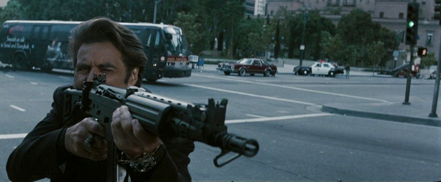 Lt. Vincent Hanna (Al Pacino) with an FN FNC in 5.56mm in Heat.
