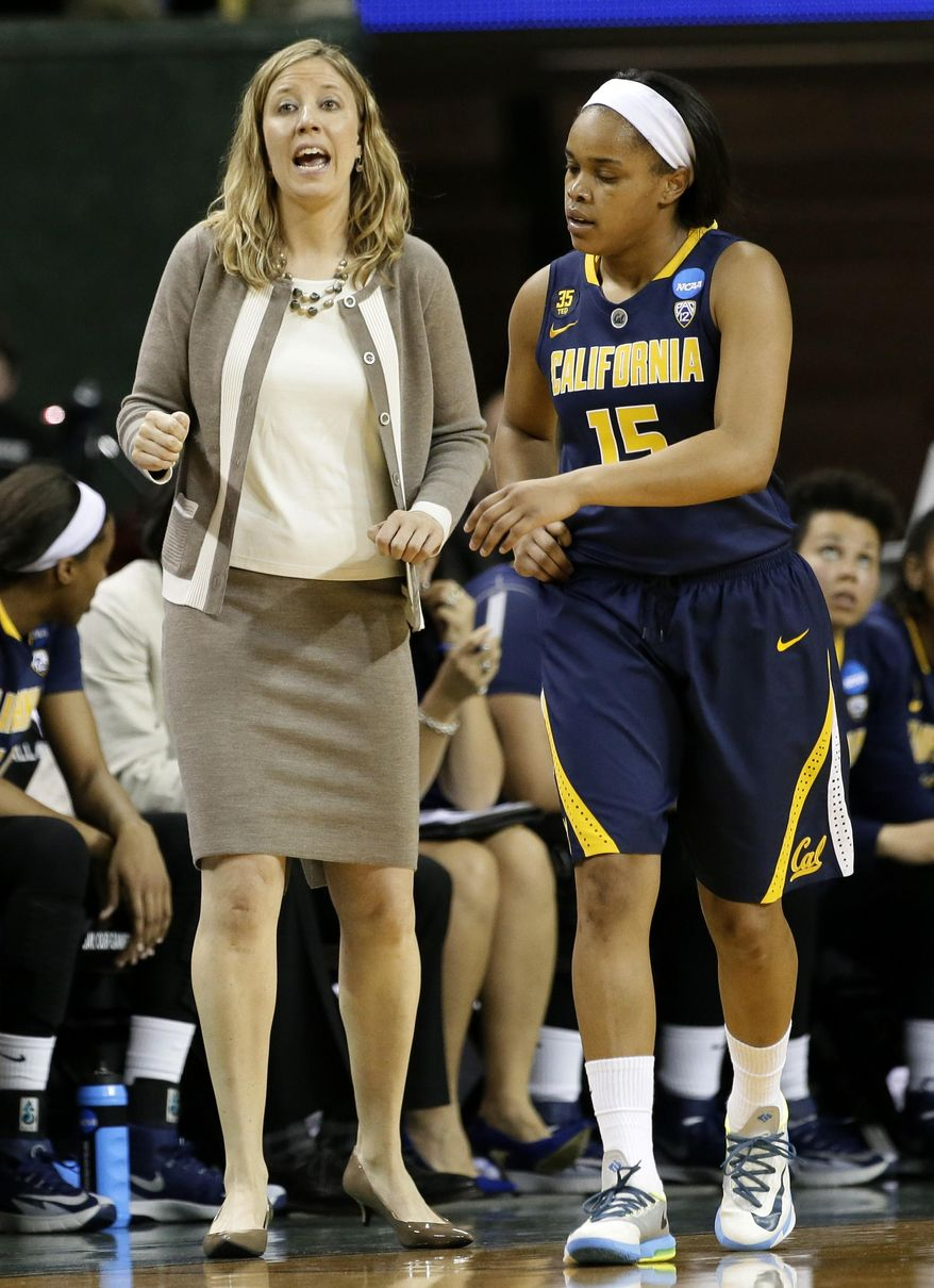 California head coach Lindsay Gottlieb instructs Brittany Boyd (15) and the rest of the team late in the second half of a second-round game against Baylor in the NCAA women's college basketball tournament, Monday, March 24, 2014, in Waco, Texas. Baylor won 75-56. (AP Photo/Tony Gutierrez)