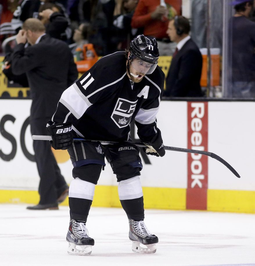 Los Angeles Kings center Anze Kopitar skates off the ice after the Kings' 4-3 loss to the Chicago Blackhawks during Game 6 of the Western Conference finals of the NHL hockey Stanley Cup playoffs in Los Angeles, Friday, May 30, 2014. (AP Photo/Chris Carlson)