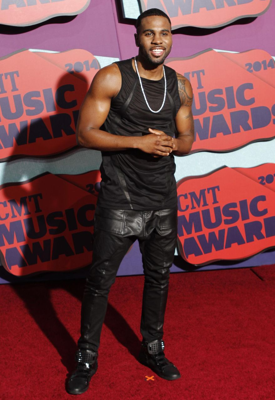 Jason Derulo arrives at the CMT Music Awards at Bridgestone Arena on Wednesday, June 4, 2014, in Nashville, Tenn. (Photo by Wade Payne/Invision/AP)