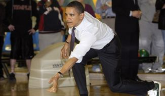 Democratic presidential hopeful, Sen. Barack Obama D-Ill., bowls at Pleasant Valley Recreation Center in Altoona, Pa., Saturday, March 29, 2008.(AP Photo/Alex Brandon)