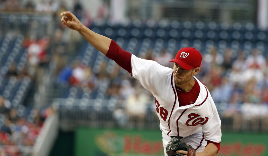 Washington Nationals starting pitcher Doug Fister throws during the first inning of a baseball game against the New York Mets at Nationals Park Wednesday, Aug. 6, 2014, in Washington. (AP Photo/Alex Brandon)
