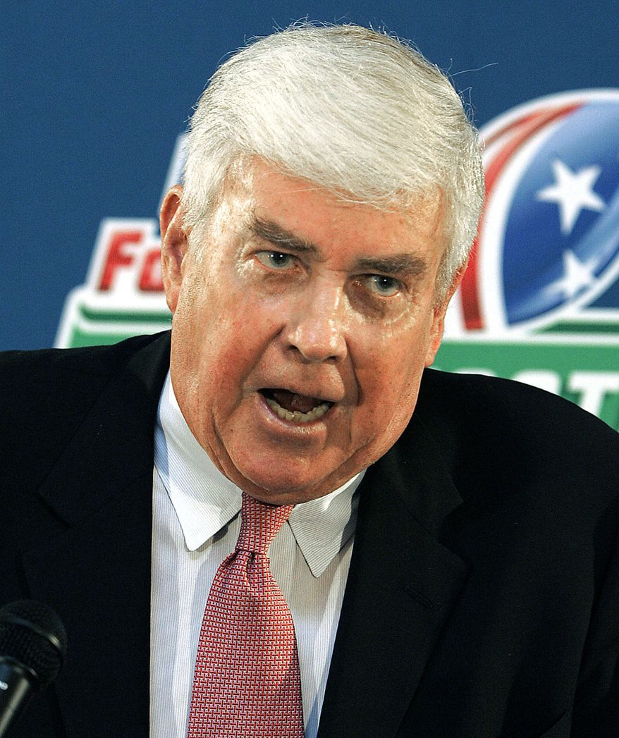 """JACK KEMP-former professional football player, was a Republican who he served as Housing Secretary in the administration of President George H. W. Bush. He previously served nine terms as a congressman for Western New York's 31st congressional district from 1971 to 1989. He was the Republican Party's nominee for Vice President in the 1996 election, where he was the running mate of presidential nominee Bob Dole. FILE - In this Aug. 25, 2006 file photo, Jack Kemp speaks during a news conference at the Capitol in Jackson, Miss. Kemp, the ex-quarterback, congressman, one-time vice-presidential nominee and self-described """"bleeding-heart conservative"""" died Saturday, May 2, 2009. (AP Photo/Rogelio Solis, File)"""