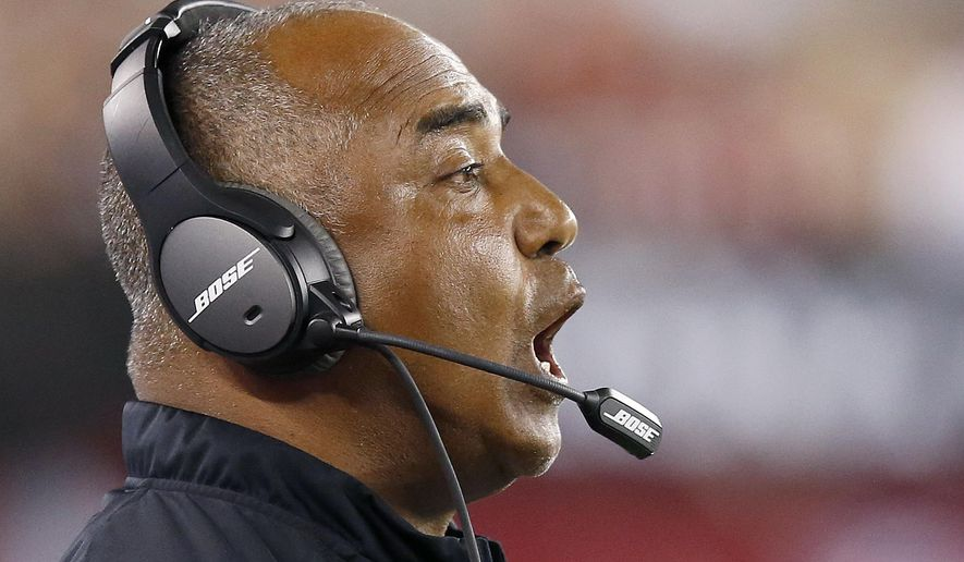 Cincinnati Bengals head coach Marvin Lewis shouts instructions to his players during the second half of an NFL preseason football game against the Arizona Cardinals Sunday, Aug. 24, 2014, in Glendale, Ariz.  The Bengals defeated the Cardinals 19-13. (AP Photo/Ross D. Franklin)