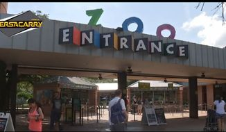 The entrance to the Houston Zoo. (Image versacarry.com)