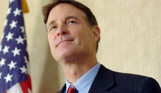 Sen. Evan Bayh speaks at Fort Wayne International Airport, Fort Wayne, Ind., on Dec. 20, 2010. (Samuel Hoffman/The Journal Gazette) **FILE**
