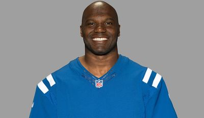 Indianapolis Colts LB D'Qwell Jackson-Accused of hitting a pizza delivery driver in the head in a dispute over a parking space in Washington, D.C. (AP Photo)