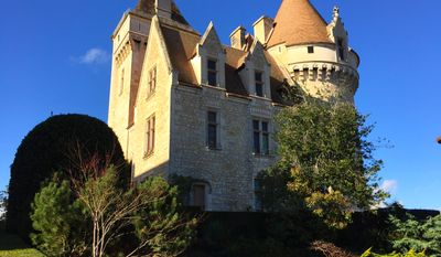 A must see is the Chateau des Milandes in the town of Castelnaud-la-Chapelle on the left bank of the Dordogne, former home of legendary American entertainer Josephine Baker.