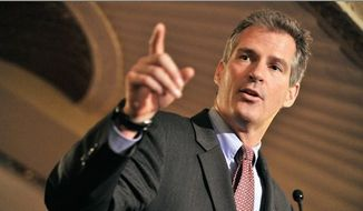 Former U.S. Sen. Scott Brown endorsed presumptive GOP presidential nominee Donald Trump for president in February. (AP Photo) ** FILE **