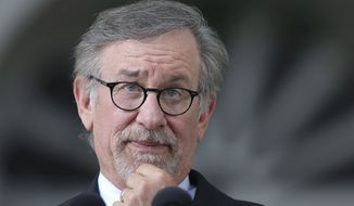 Filmmaker Steven Spielberg pauses during his speech during Harvard University commencement exercises, Thursday, May 26, 2016, in Cambridge, Mass. (AP Photo/Steven Senne)