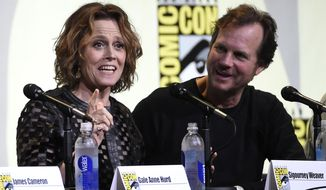 """Sigourney Weaver, left, and Bill Paxton attend the """"Aliens: 30th Anniversary"""" panel on day 3 of Comic-Con International on Saturday, July 23, 2016, in San Diego. (Photo by Chris Pizzello/Invision/AP)"""