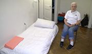 Wanda Witter, an 80-year-old former homeless woman, is settling into her new apartment after receiving a $100,000 payout from the federal government. (ABC 13)