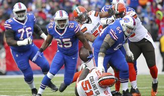 Buffalo Bills running back LeSean McCoy (25) runs with the ball against the Cleveland Browns during the first half of an NFL football game, Sunday, Dec. 18, 2016, in Orchard Park, N.Y. (AP Photo/Bill Wippert)