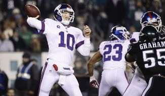 New York Giants quarterback Eli Manning (10) in action during an NFL football game against the Philadelphia Eagles, Thursday, Dec. 22, 2016, in Philadelphia. (AP Photo/Matt Rourke)