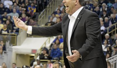 Notre Dame head coach Mike Brey yells instructions to his team during the first half of an NCAA college basketball game against Pittsburgh, Saturday, Dec. 31, 2016, in Pittsburgh.(AP Photo/Fred Vuich)
