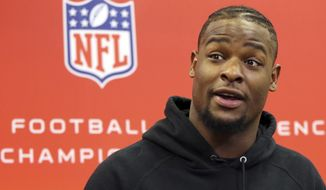 Pittsburgh Steelers running back Le'Veon Bell talks with reporters before their NFL football practice, Wednesday, Jan. 18, 2017, in Pittsburgh. The Steelers face the New England Patriots in the AFC conference championship on Sunday. (AP Photo/Keith Srakocic)