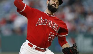 Los Angeles Angels starting pitcher Matt Shoemaker throws against the Detroit Tigers during the first inning of a baseball game in Anaheim, Calif., Friday, May 12, 2017. (AP Photo/Alex Gallardo)