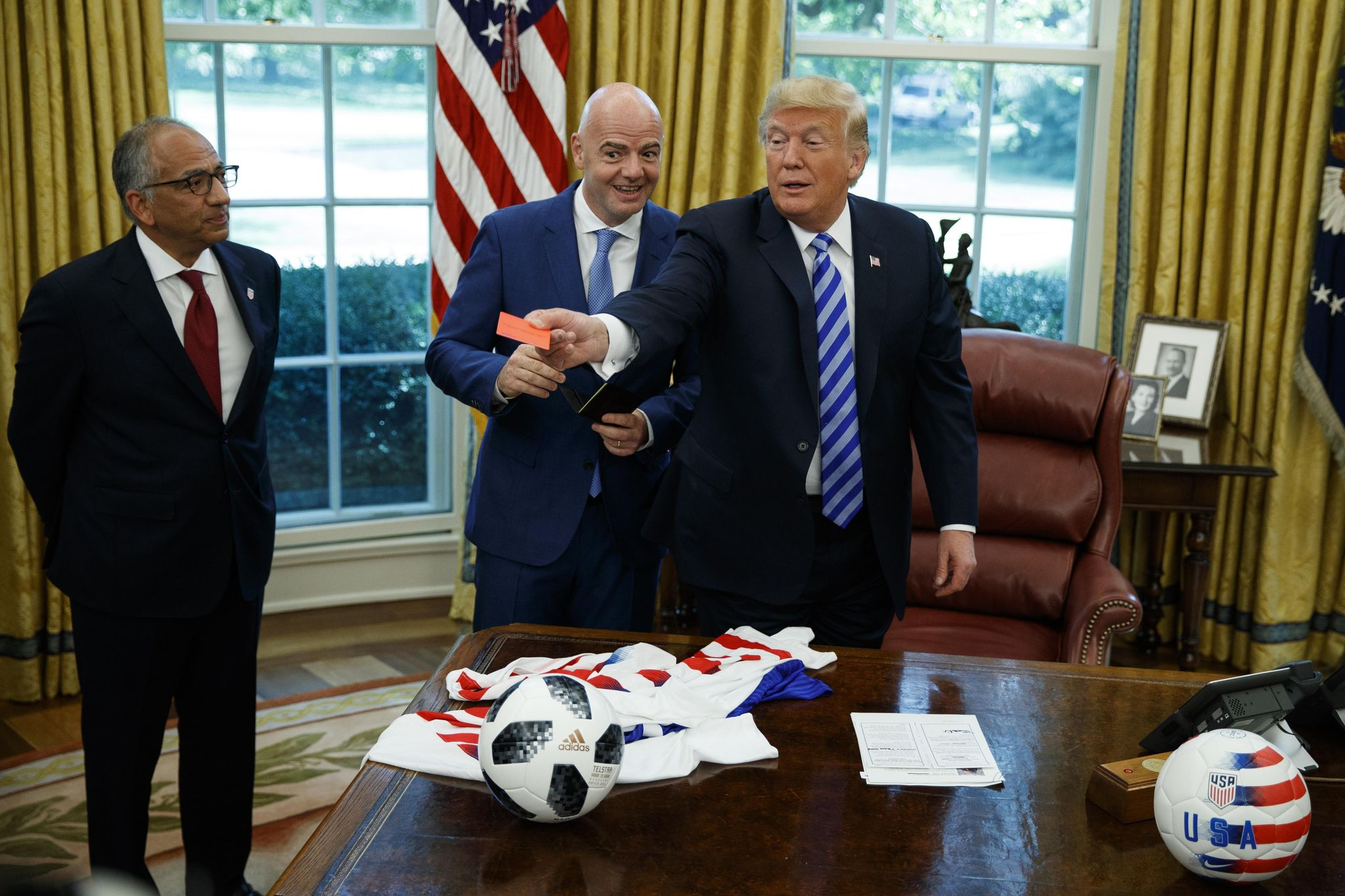 Trump meets with FIFA president to talk World Cup