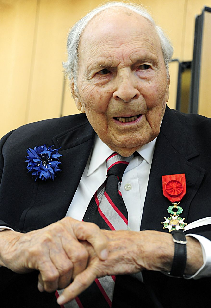 """""""I'm surprised to be the last,"""" said World War I veteran Frank Buckles at the French Embassy. (Agence France-Presse/Getty Images)"""