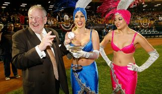"Las Vegas Mayor Oscar Goodman says President Obama ""owes us an apology"" for warning businesses away from the gaming mecca. Getty Images."