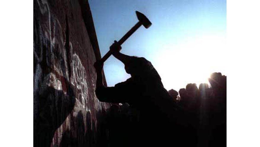 Berlin Wall, Nov. 12, 1989. (AP Photo/John Gaps)