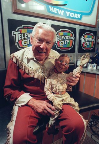 """** FILE ** """"The Howdy Doody Show"""" with the late Buffalo Bob Smith and Howdy Doody. (Associated Press)"""